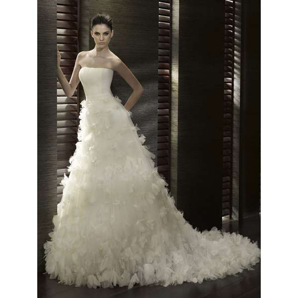 feathered wedding dress SassenFrassen